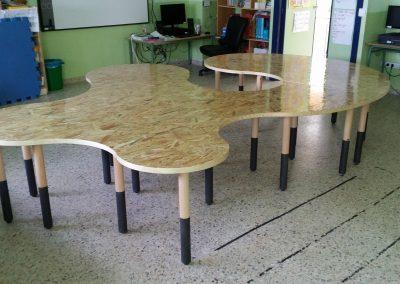 Mesa escolar lateral derecho