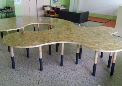 Mesa escolar lateral izquierdo