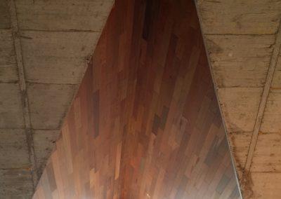 Techo de madera con unión central angular